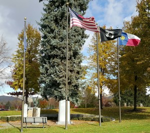 veterans memorial flag pole1